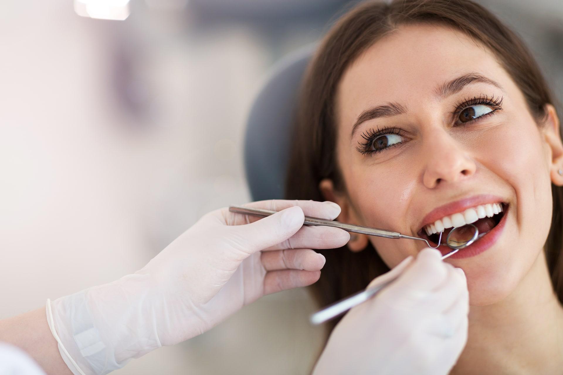 şeffaf diş telleri kliniği